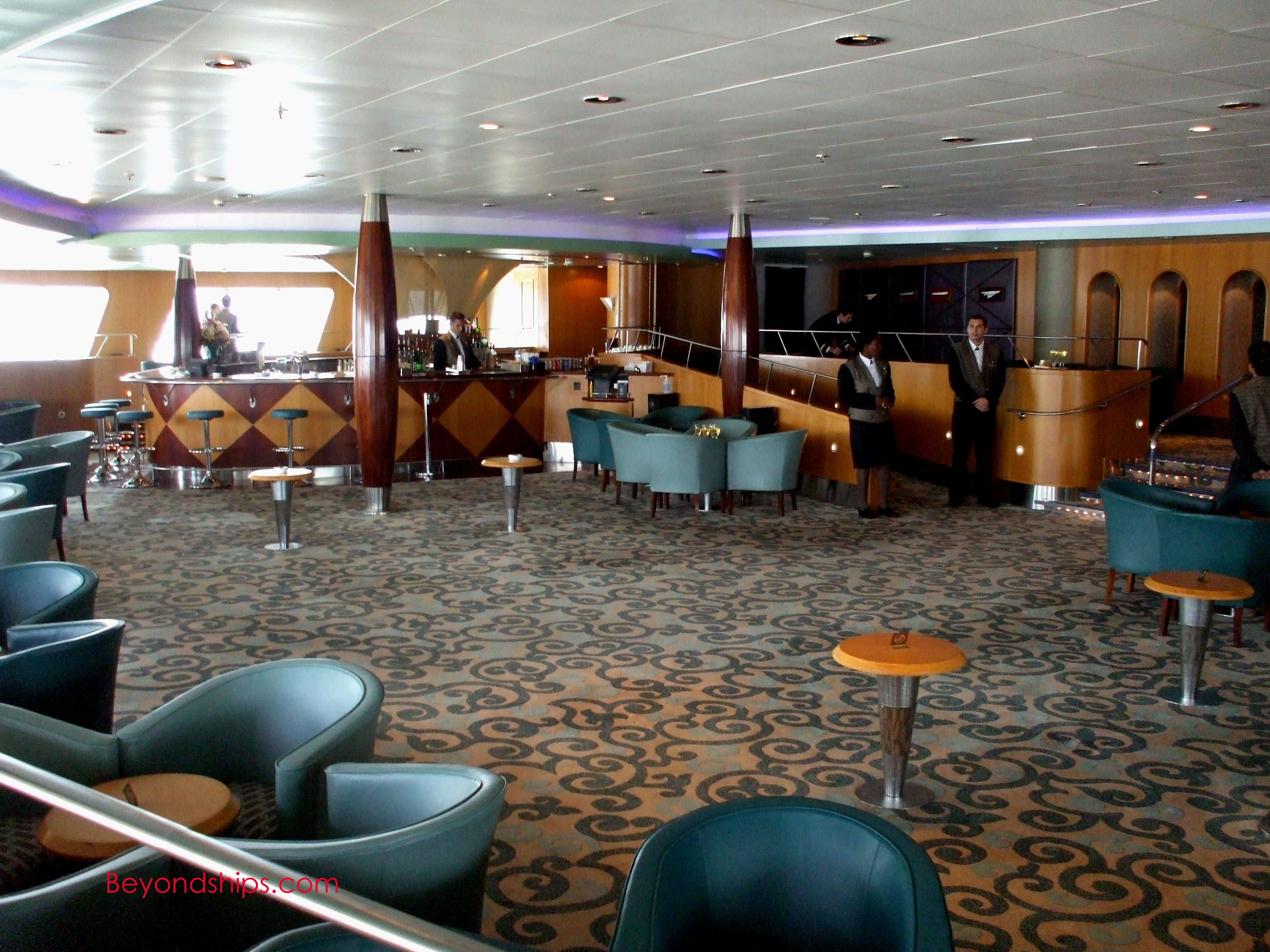 Qe2 Photo Tour And Commentary Bars And Lounges