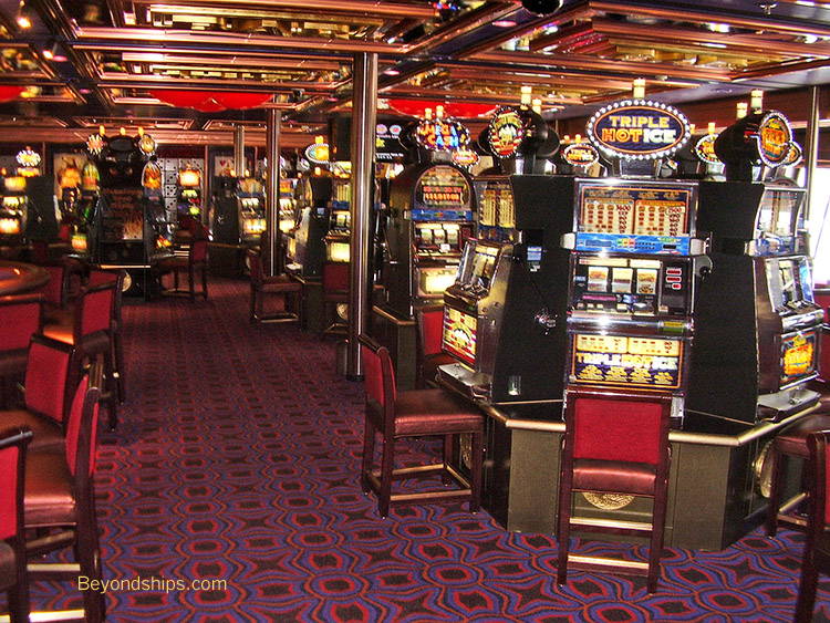 Are there casinos in naples italy