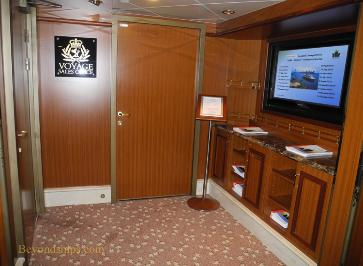 Cruise ship photo - Cunard Line - Queen Victoria - Voyage Sales Office