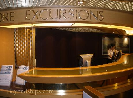 Cruise ship Eurodam shore excursions desk