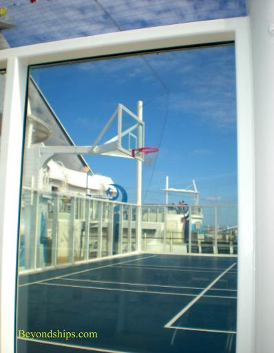 Oasis of the Seas sports court