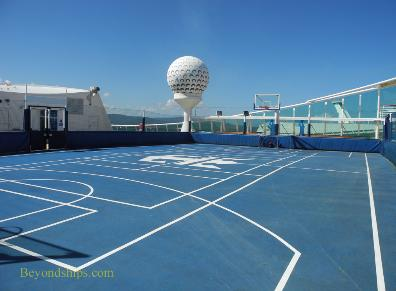 Sports court cruise ship Independence of the Seas