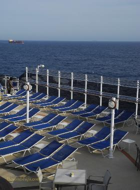 Cruise ship photo - Cunard cruise liner Queen Victoria - deck chairs