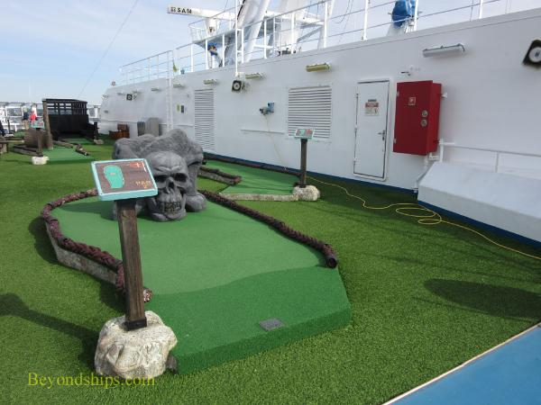 Carnival Splendor mini-golf