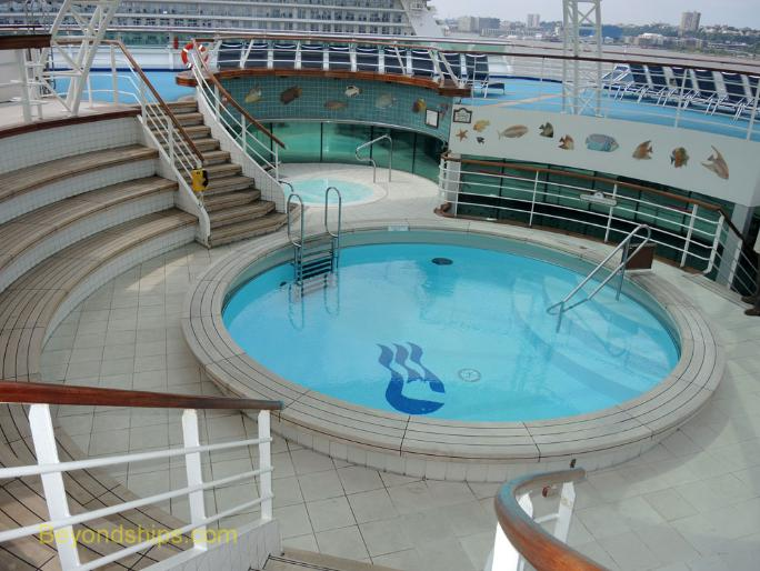 Sea Princess cruise ship pool