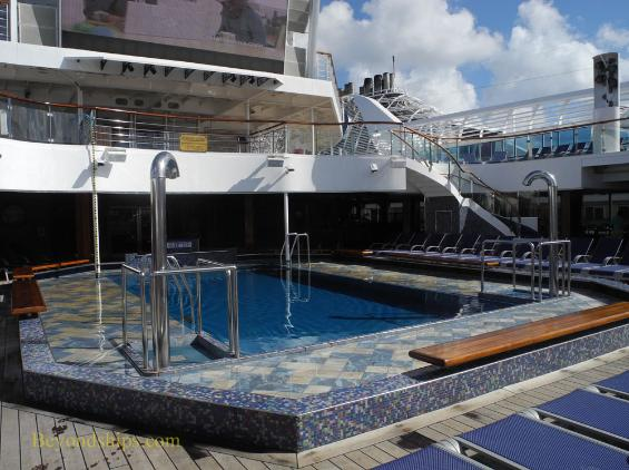 Carnival Liberty, Tivoli pool