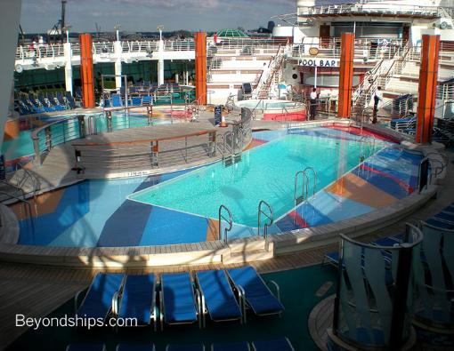 pool cruise ship Independence of the Seas