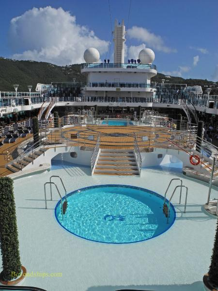 Fountain pool deck, cruise ship Regal Princess