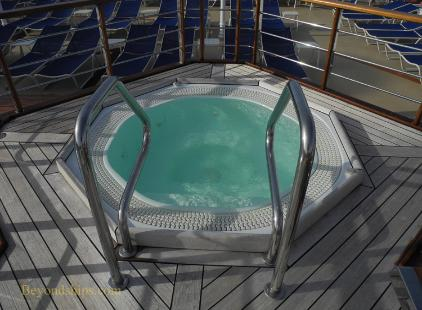 Cruise ship photo - Cunard cruise liner Queen Victoria - whirlpool