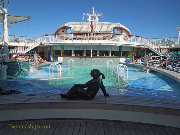 Royal Caribbean cruise ship Brilliance of the Seas pool