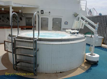Sea Princess cruise ship, hot tub