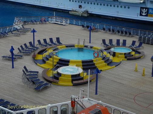 Cruise ship Carnival Paradise pool and hot tubs