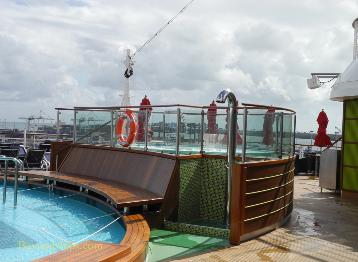 Carnival Breeze cruise ship whirlpool