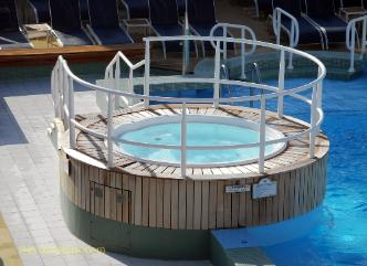 Cruise ship Ocean Princess pool deck