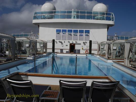 Retreat pool, cruise ship Regal Princess