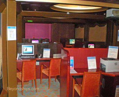 Cruise ship Carnival Conquest internet cafe