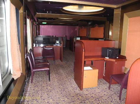 Cruise ship Carnival Glory internet cafe