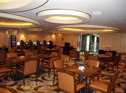 Oasis of the Seas internet cafe