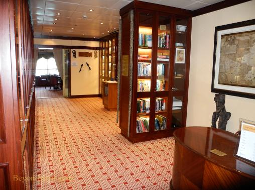 Norwegian Sun cruise ship library