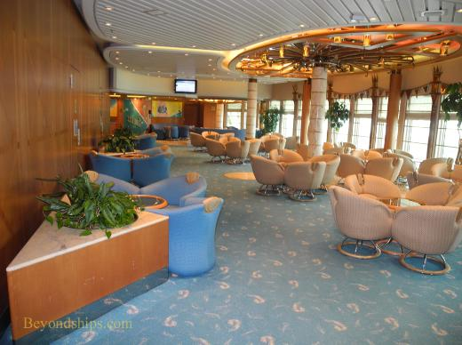 Vision of the Seas, Showboat Lounge