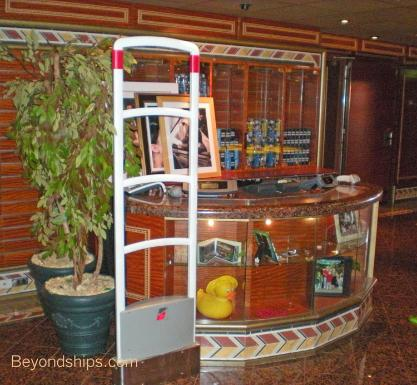 Cruise ship Carnival Conquest photo gallery