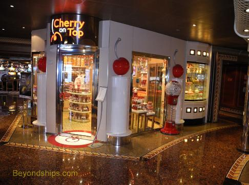 Cruise ship Carnival Conquest shops