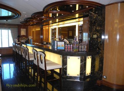Royal Princess cruise ship, International Cafe bar