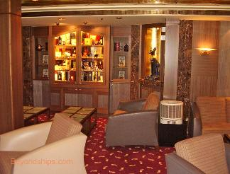 Independence of the Seas cruise ship cigar bar