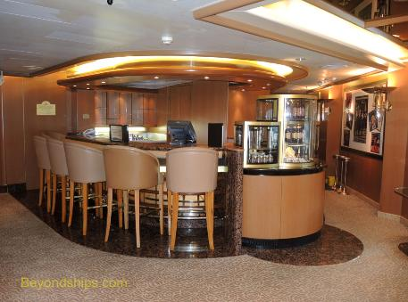 Cruise ship Sea Princess bar