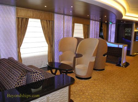 Royal Princess, Princess Live Cafe seating