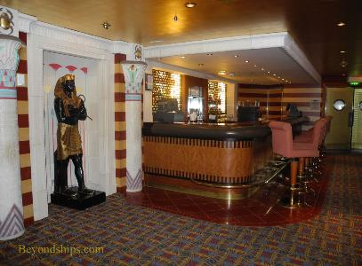 Pyramid Lounge on Independence of the Seas cruise ship