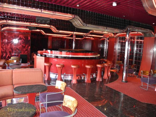 Cruise ship Carnival Glory piano bar