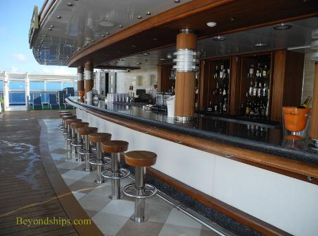 Royal Princess cruise ship, Retreat Bar