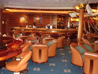 Schooner Bar on Independence of the Seas cruise ship