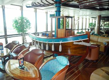Brilliance of the Seas Schooner Bar