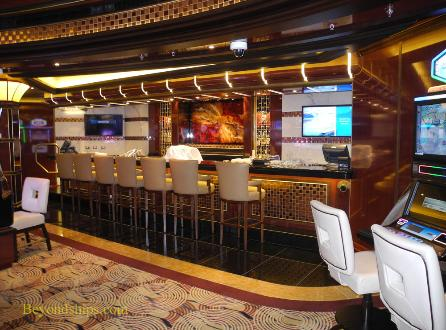 Royal Princess cruise ship, Princess Casino bar