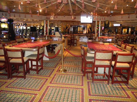 Cruise ship Carnival Glory casino