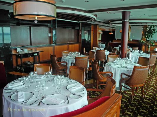 cruise ship enchantment of the seas Chops Grille