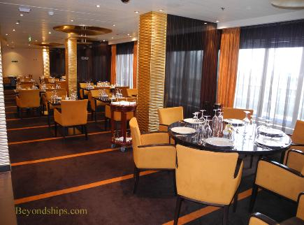 Carnival Breeze cruise ship dining