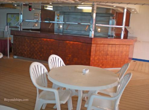 Cruise ship Ocean Princess hamburger grill