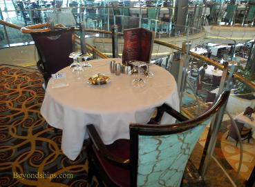 Cruise ship Legend of the Seas, main dining room