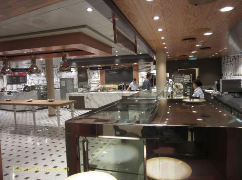 Quantum of the Seas casual dining