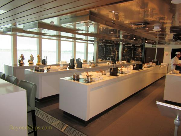 Britannia cruise ship, Cookery Club