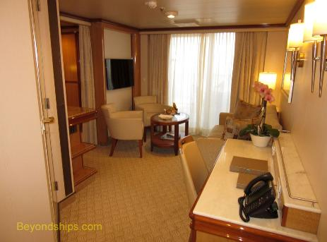 cruise ship Royal Princess suite