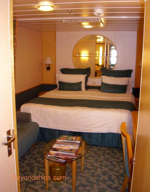 Cruise ship Independence of the Seas, stateroom