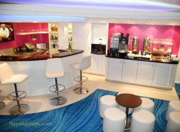 Norwegian Breakaway cruise ship, studio lounge