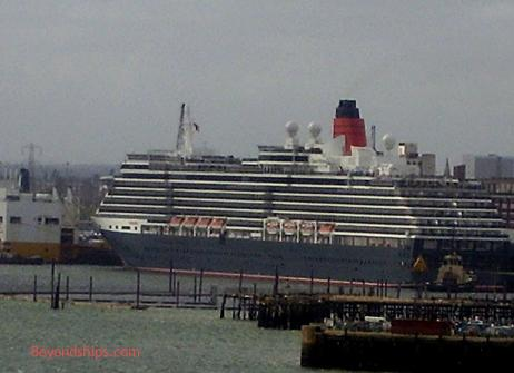 cruise ship photo - Queen Victoria - Cunard Line - in Southampton