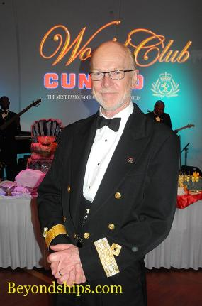 Commodore Christopher Rynd Queen Mary 2