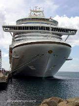 image of cruise ship Emerald Princess
