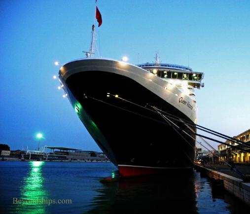 Picture of Cunard ship Queen Victoria in Venice